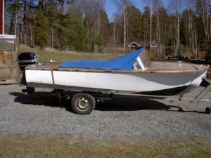 sweet sixteen glass fiber boat